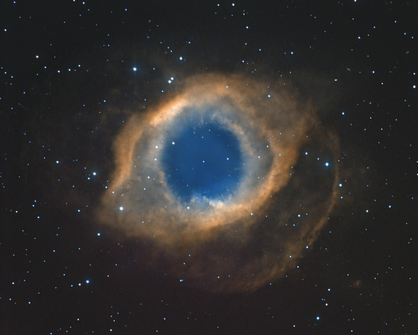 Une nouvelle helice 71_1534854716NGC7293Ha-arcsin-sharp-b-v2